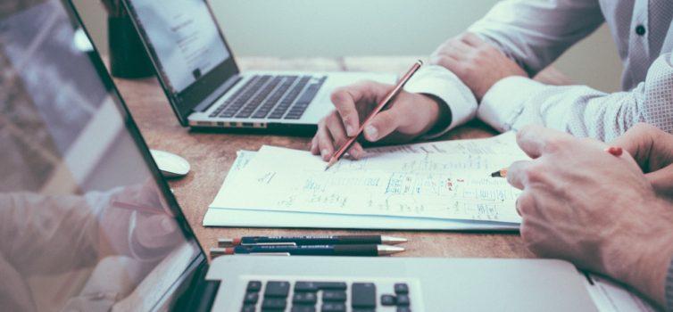 Var får entreprenörer passa in i samhället?